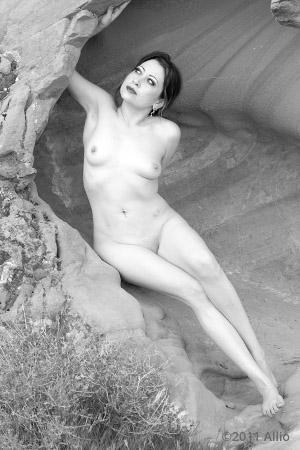 condizione Allio original nude figure artwork of ariela bat-sheva open honesty