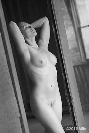 ispezione Allio original nude figure artwork of life model Erika German trusting venture for attention