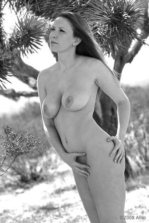 Allio nude virtuosa alfresco contenta original photographic art of Jenny Divine nude life model
