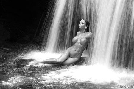 Allio original visual art ingolare of timeless reclining nude Janet Mason Paige McFarland