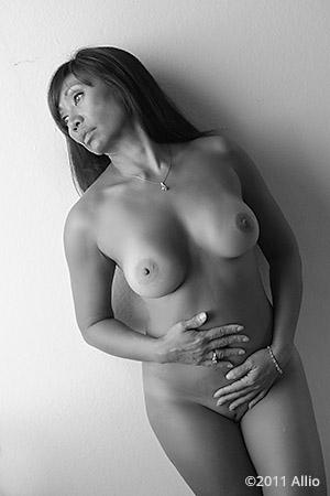 adeguato Allio proper nude of Viki Mae timeless nude grandmother in natural light