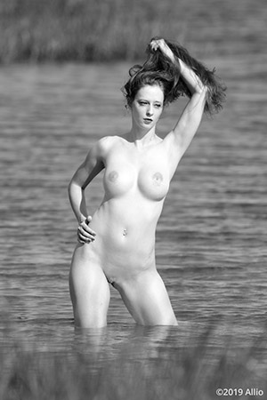Allio servizia bodyfreedom photomodel Serenity Dalys nude muse knee-deep Gulf of Mexico