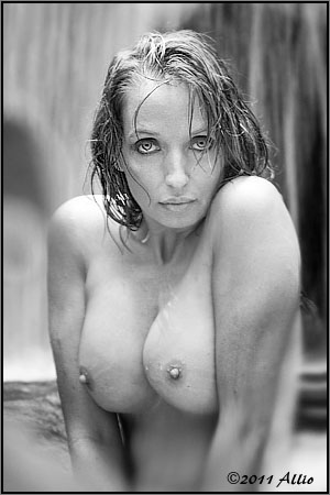 exemplum Allio original topfree portrait of timeless model Maria Whitaker nude muse awareness knowledge