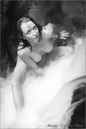 eager original artwork by Allio of timeless nude muse Maria Whitaker enthusiastically wet in bubbly cold Water