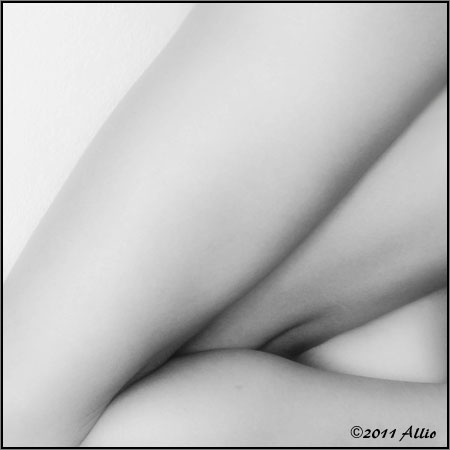 innuendo abstract sisters sorelle astratti Allio nuda